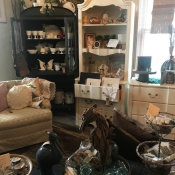 Getting Local with Grace: Renee's Vintage