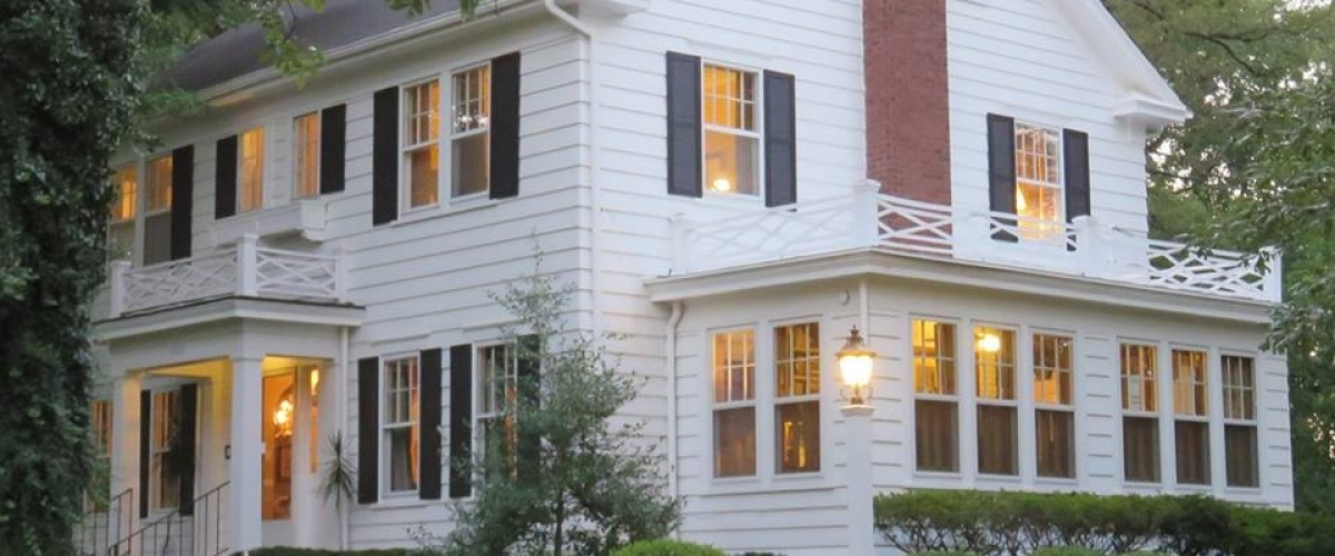 Unwind at Mt. Vernon's Beautiful Bed & Breakfast